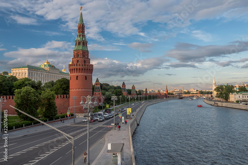 Spoed Foto op Canvas Bedehuis View of the Moscow Kremlin from the Moscow river.