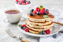 American Pancakes With Fresh Berries