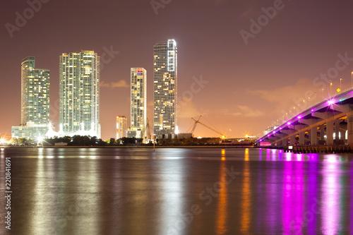 Spoed Foto op Canvas Verenigde Staten Real Estate developments at downtown Miami, Florida, USA