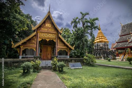 Staande foto Bedehuis temple landscape thailand clouds jungle