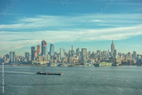 Fotografia, Obraz  Famous view on New York Midtown Manhattan through the Hudson river