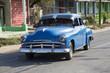 Wunderschöner blauer Oldtimer auf Kuba (Karibik)