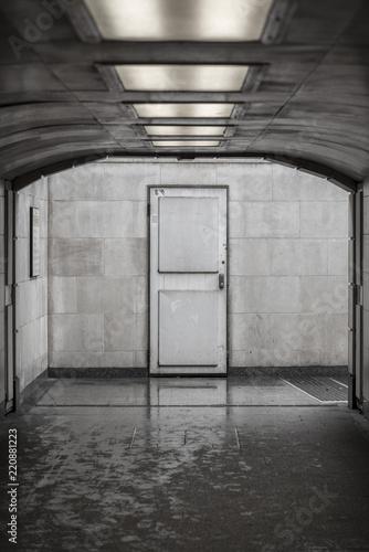 publiczny-tunel-metra-w-poblizu-marble-ar