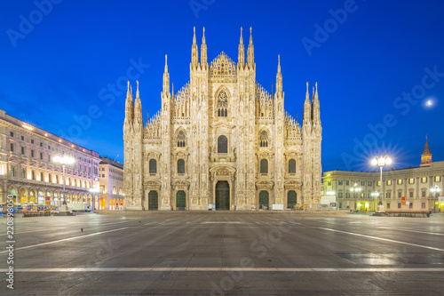 In de dag Milan Milan Cathedral from the square at twilight in Milan, Italy