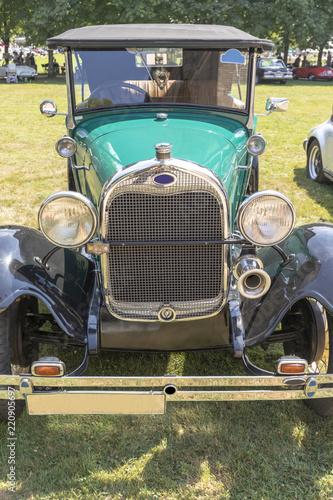 Papiers peints Vintage voitures Oldtimer mit ansicht von vorne