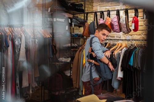 Fotografía  Hiding clothes