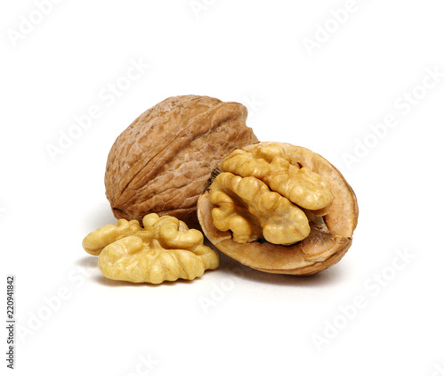 Poster Graine, aromate cracked walnut isolated on the white