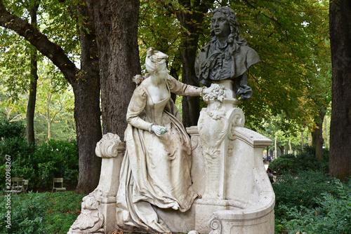 Foto op Aluminium Historisch mon. Statues au jardin du Luxembourg à Paris, France