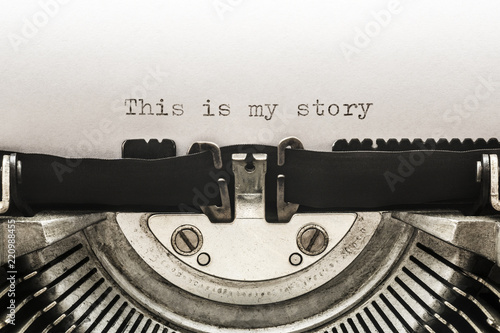Canvastavla This is my story typed on a vintage typewriter