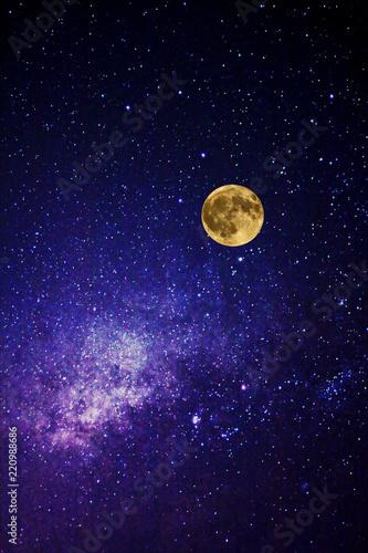 Via Lactea y luna llena