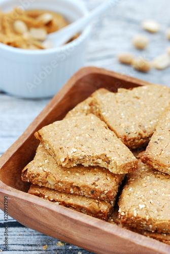 Fotografie, Obraz  Ciastka owsiane z masłem orzechowym