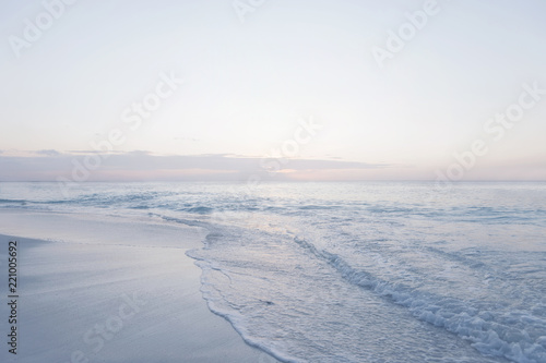 Obraz Tranquil sunset pastel colors Paradise at seychelles - fototapety do salonu