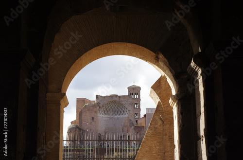 Photographie vue sur Rome depuis le Colisée
