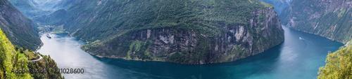Foto auf AluDibond Skandinavien Geiranger Fjord Norwegen Panorama