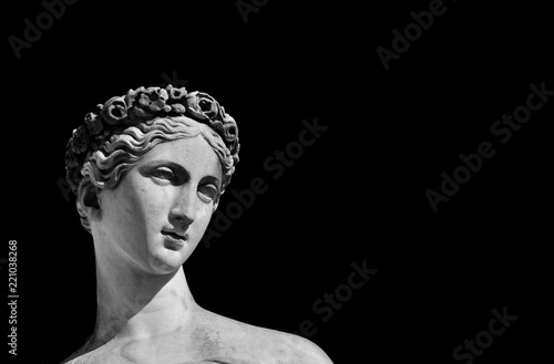 Commemoratif Ancient Roman or Greek goddess marble statue (Black and White with copy space)