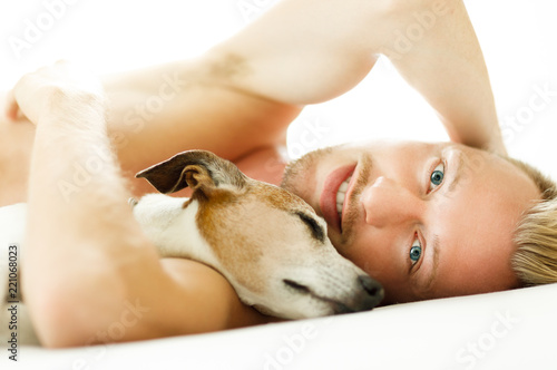 Papiers peints Chien de Crazy dog and owner cuddle