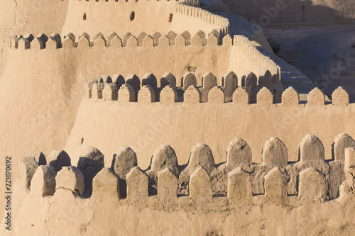 In de dag Asia land City walls of the ancient city of Khiva. UNESCO world heritage site in Uzbekistan, Central Asia.