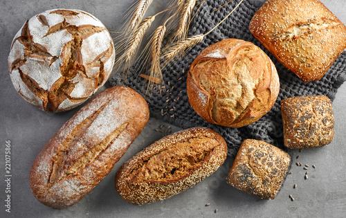 Obraz na płótnie various freshly baked bread