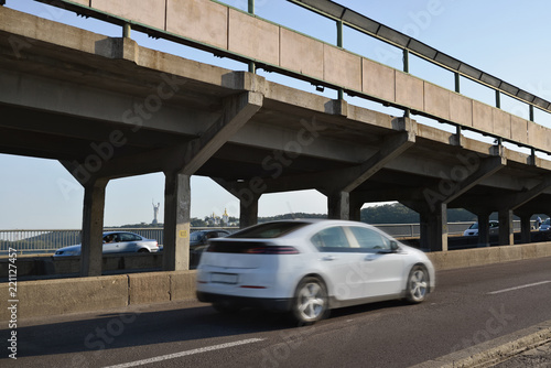 Spoed Foto op Canvas Kiev Kyiv. Ukraine. Traffic through Metro Bridge over Dnieper River