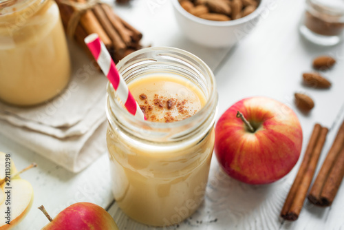 Photo Apple pie protein smoothie