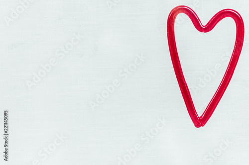Décoration coeur rouge suspendu - Buy this stock photo and explore on
