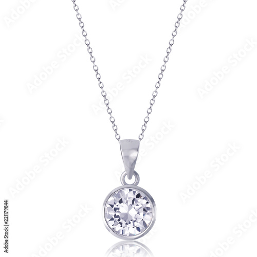 diamond heart pendant with necklace on white background. Fototapete