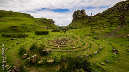Photo Stone circle made by tourists at fairy Glen, Isle of Skye, Scotland