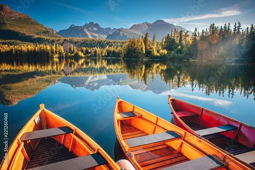 Printed kitchen splashbacks Sailing boat. Mountain landscape. Mountain lake. Outdoor recreation. Strbske pleso, Slovakia
