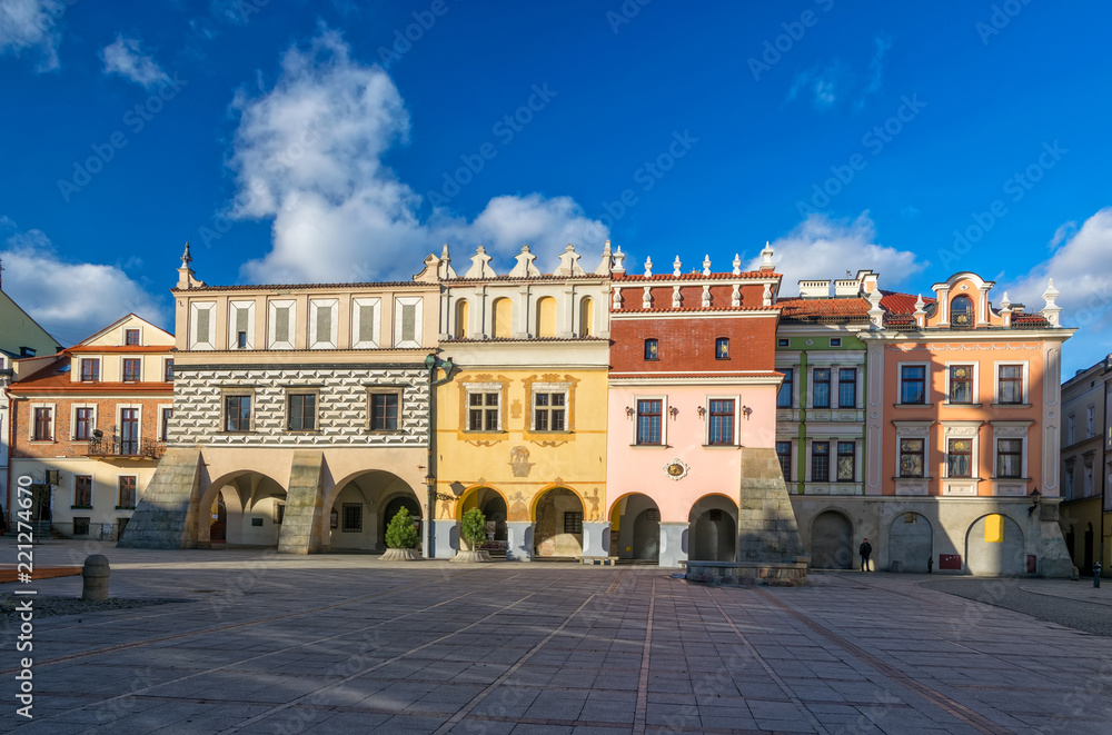 Fototapety, obrazy: Scenic view of renaissance tenement houses on market square of old town in Tarnow, Poland