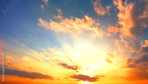 Foto op Plexiglas Ochtendgloren Celestial World concept:Sunset / sunrise with clouds