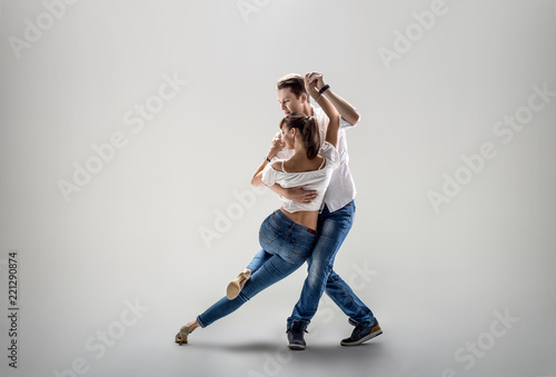 In de dag Dance School couple dancing social danse