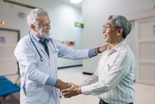 The Senior Doctor And Elderly ...