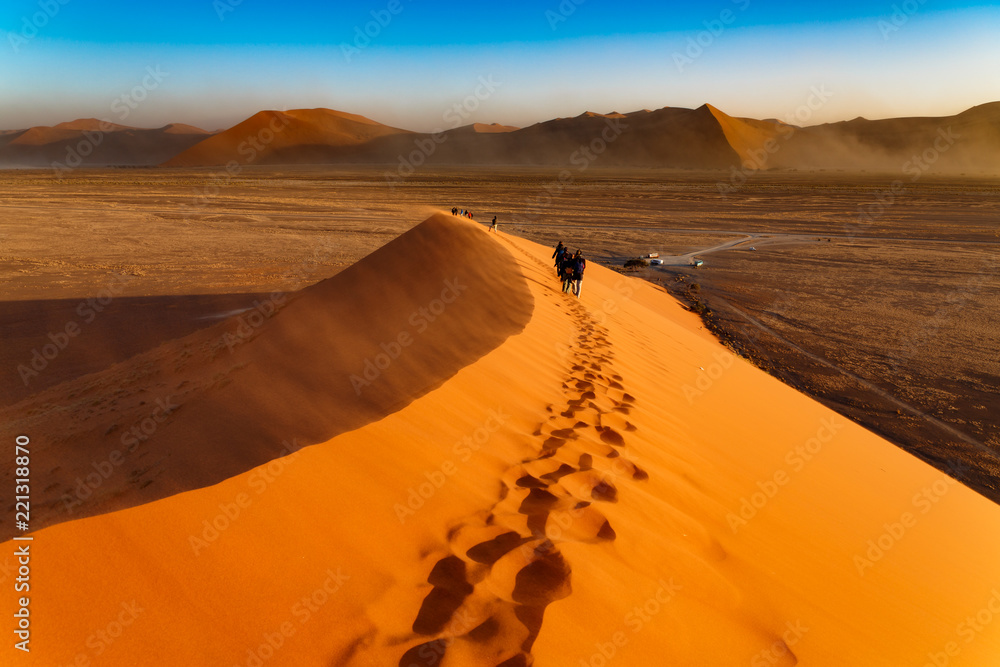 Fototapety, obrazy: Huge dune and tourists