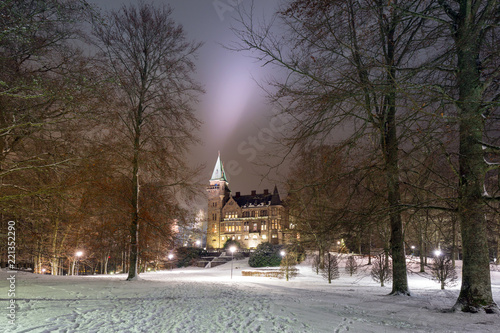 Papiers peints Con. ancienne Teleborg Castle at snowy night in Vaxjo, Sweden