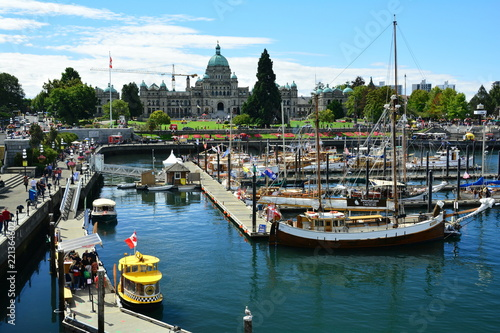 Tuinposter Schip Inner harbor in Victoria BC,Canada