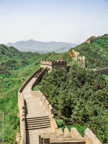 Foto op Aluminium Chinese Muur The Great Wall Jinshanling section with green trees in a sunny day, Beijing, China