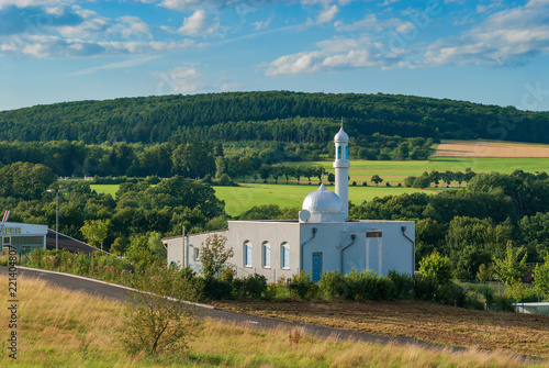 Fotografia, Obraz  Die Bait-ul-Huda-Moschee in Usingen im Taunus