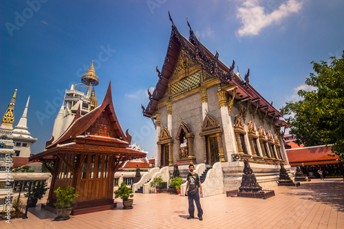 Spoed Foto op Canvas Bedehuis Bangkok - October 13, 2014: Buddhist temple in central Bangkok, Thailand