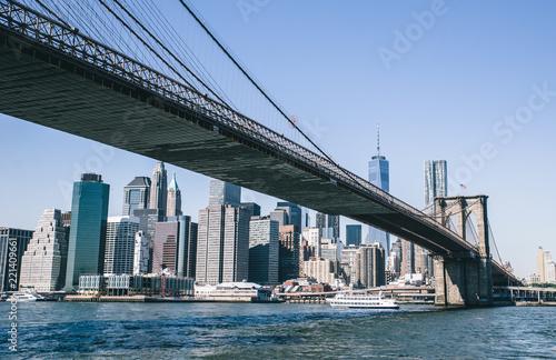 Keuken foto achterwand Amerikaanse Plekken Brooklyn bridge at day time