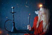 Girl Smokes  Hookah / Beautifu...