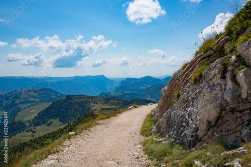 Photo Mountain road and trail to Monte Altissimo