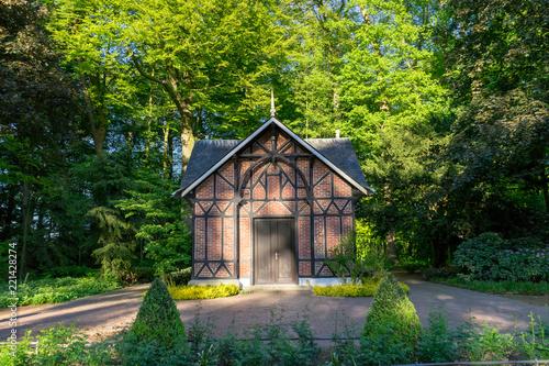 Fotografie, Obraz  Arquitetura alemã em parque natural