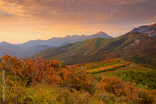 Foto op Plexiglas Crimson Autumn sunrise in the Southern Wasatch Mountains, Utah, USA.