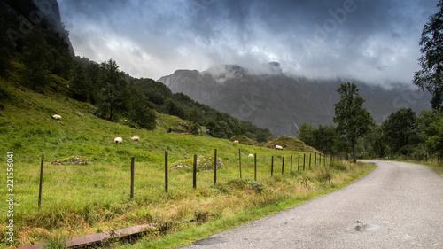 Foto op Canvas Pistache Cloudy mountains