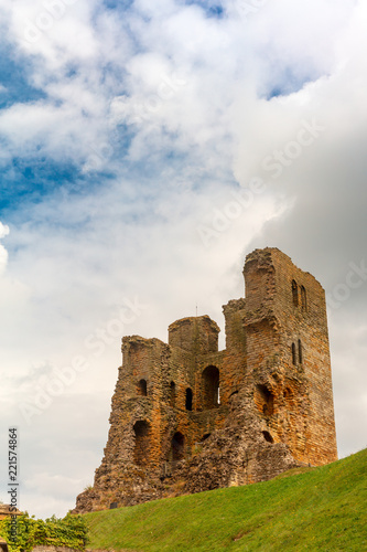 Fotobehang Kasteel Dramatic cliff side landscape with Scarborough Castle in North Yorkshire.