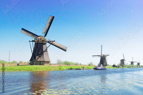 Papiers peints Con. ancienne traditional dutch windmills row in Kinderdijk at summer day, Netherland