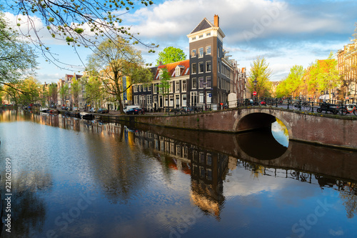 Papiers peints Con. ancienne Dutch city scenery with canal and mirror reflections, Amstardam, Netherlands, toned