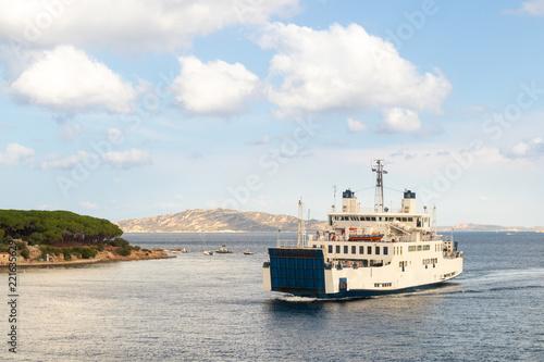 Fotografía  Ferry boat ship sailing between Palau and La Maddalena town, Sardinia island, Italy