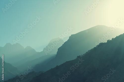 Foto auf Gartenposter Gebirge Fann mountains