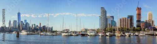 Poster Gris Panoramaaufnahme mit Blick auf den Hudson River, Manhattan und Jersey City